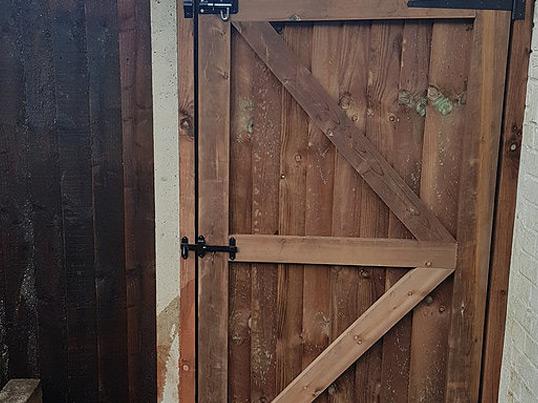 Custom-built-gates